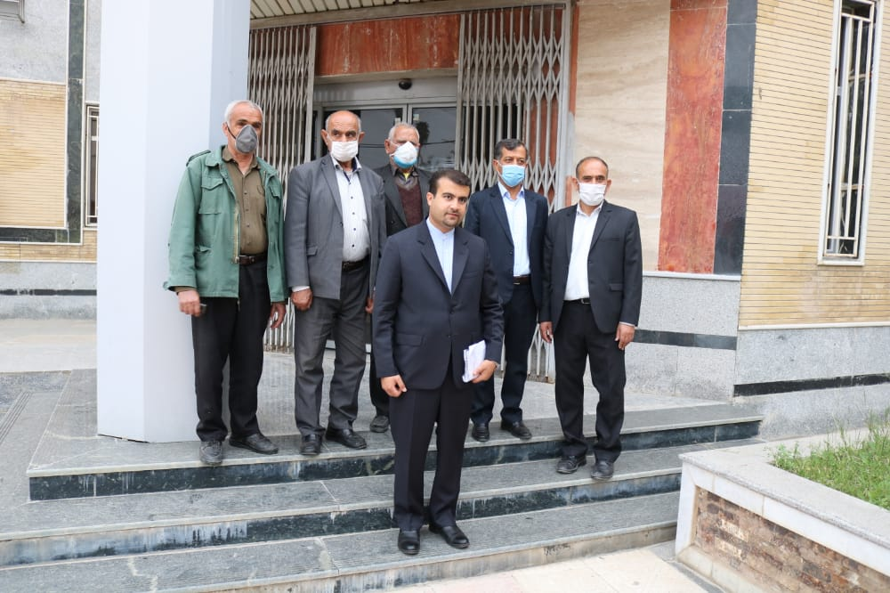 حضور متفاوت در فرمانداری کهگیلویه برای ثبت نام در انتخابات شورای شهر ؛ حرکتی که با احترام به شهدا آغاز شد /+تصاویر
