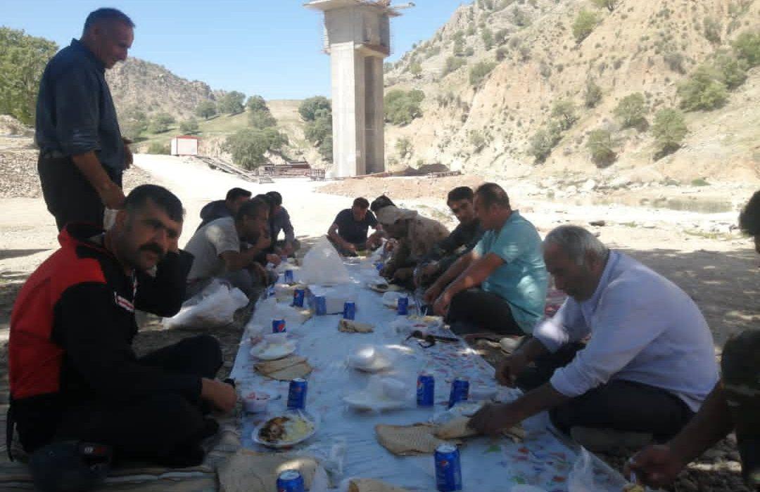 اقدام جالب پرسنل پروژه پاتاوه_دهدشت در روز عید(+تصاویر)